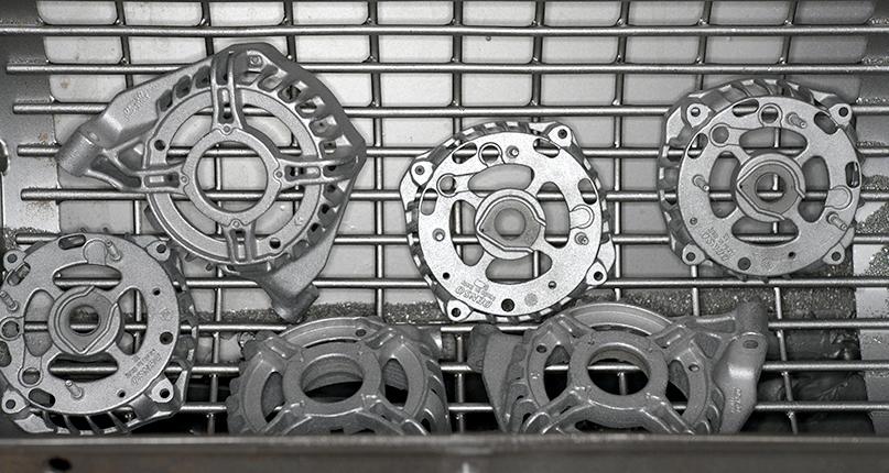 Обработка деталей генератора в пескоструйной и дробеструйной машинах