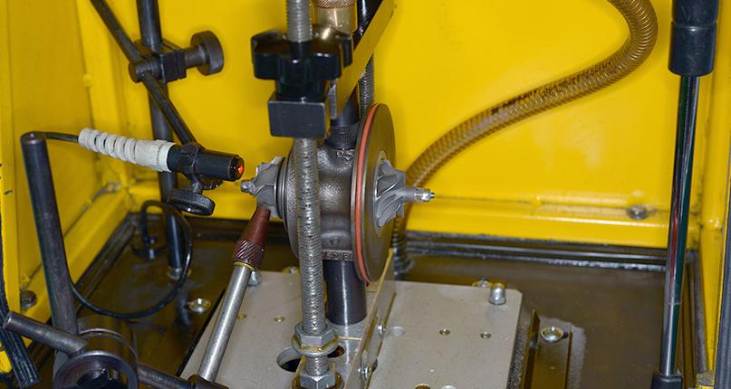 Проверка комплектующих турбокомпрессора перед сборкой